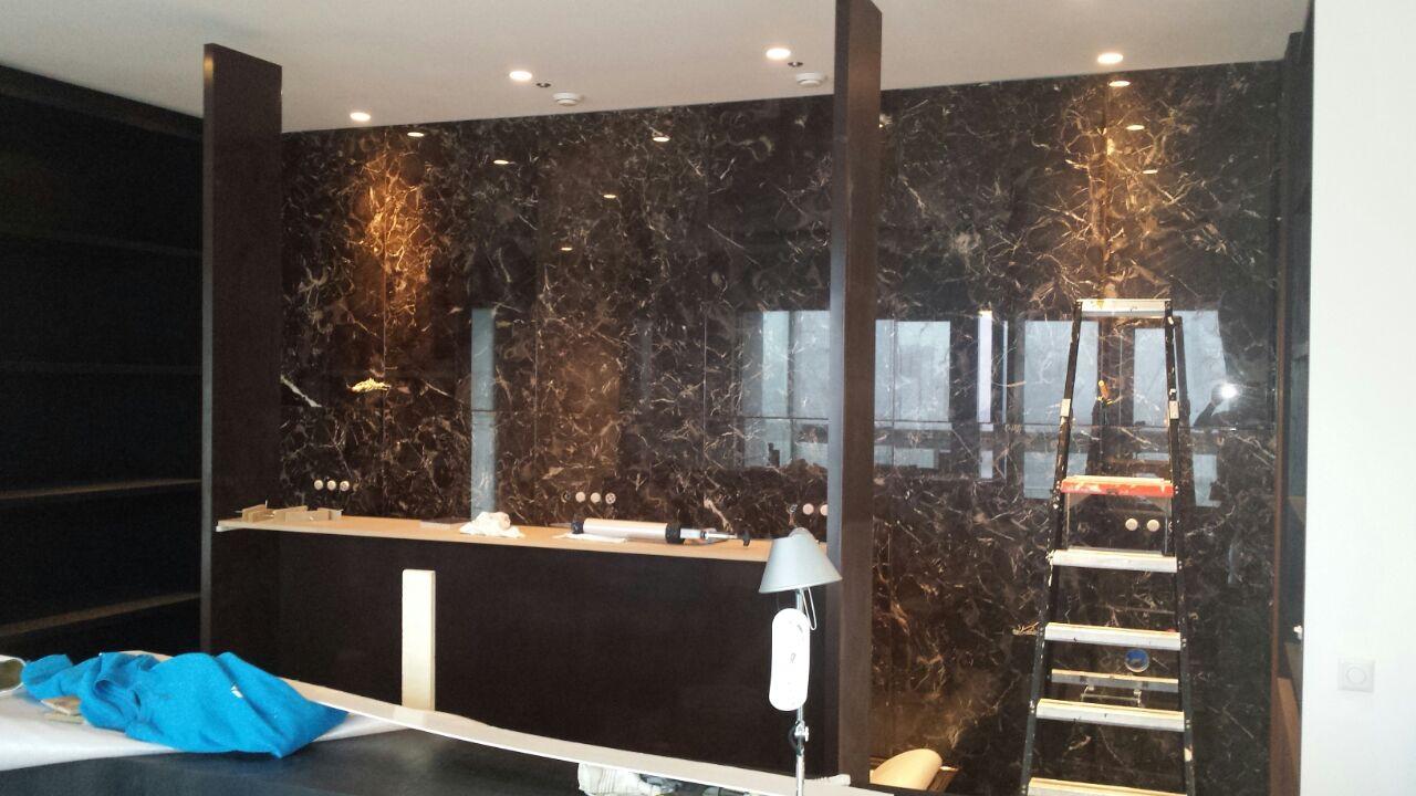 Luxe natuursteen badkamers