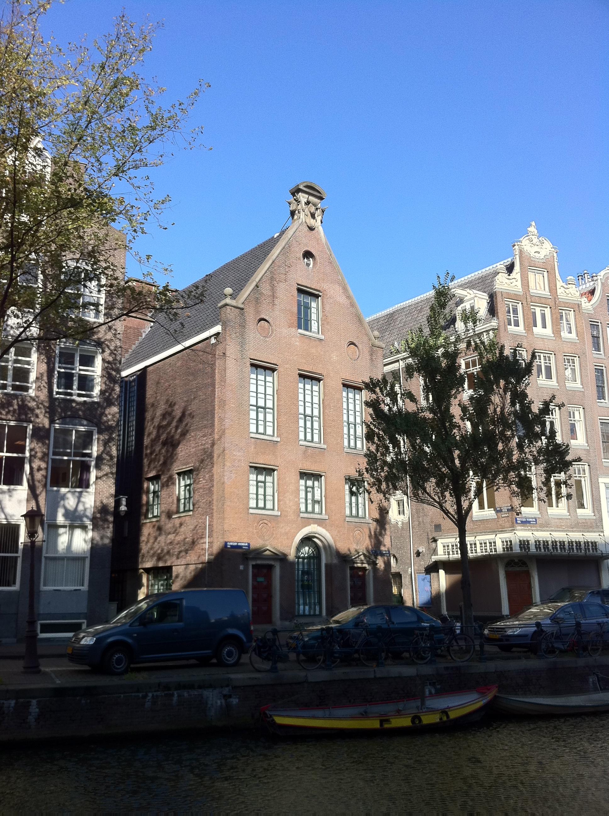 Amsterdam_-_Sint_Pietershalsteeg_3
